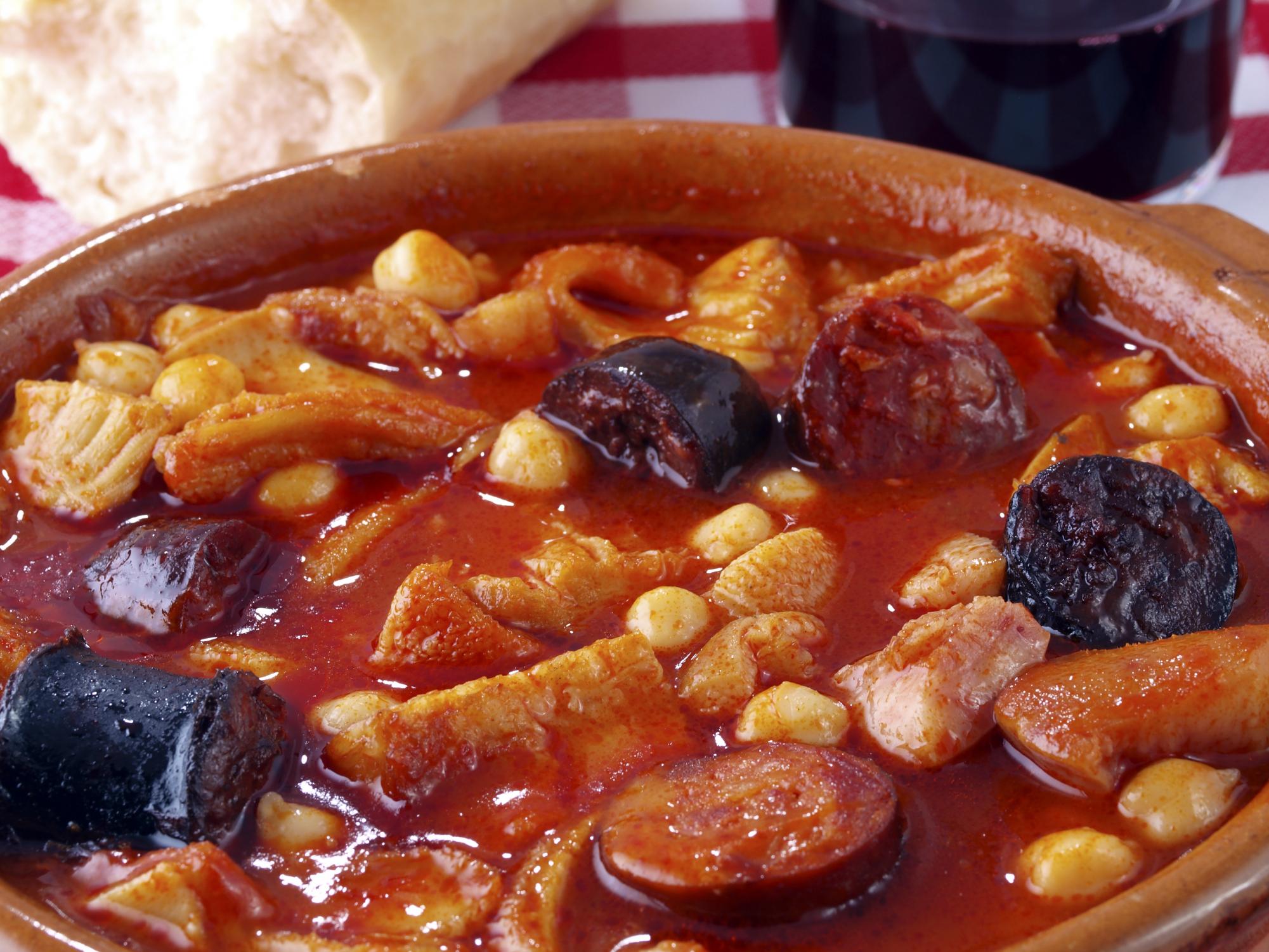 callos-la-madrilena-hechos-cazuela-barro